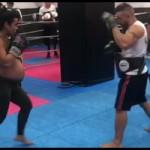 Susi, 8 meses de embarazo y entrenado Kickboxing